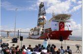 """Enerji Bakanı Berat Albayrak, Kocaeli'de """"Sondaj Gemisini Akdeniz'e Uğurlama Töreni""""ne katıldı."""