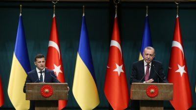 Cumhurbaşkanı Erdoğan ve Ukrayna Devlet Başkanı Zelenskiy ile ortak basın toplantısı düzenledi