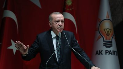 """Cumhurbaşkanı Erdoğan,""""Suriye'deki gerçek işgalcilere ses edemeyenlerin, Türkiye'nin meşru haklarını korumasına karşı çıkması bir teslimiyet ifadesidir"""""""
