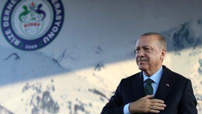 """""""Türkiye'nin ve Türk Milleti'nin başını daima dik tutacağız"""""""