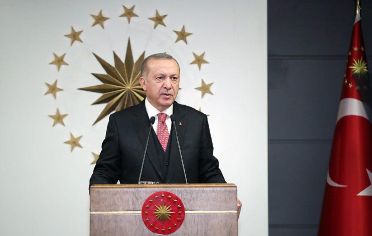 """Cumhurbaşkanı Erdoğan,""""Türkiye, Avrupa ve Amerika'ya kıyasla bu hastalığın yayılmasının üstesinden gelmeye en yakın ülkelerden biridir"""""""