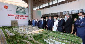 """Cumhurbaşkanı Erdoğan, """"Sağlık sistemlerinin çöktüğü bir dönemde, Türkiye ve Japonya örnek bir başarı sergiliyor"""