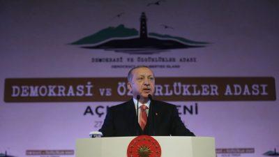 Demokrasi ve Özgürlükler Adası Cumhurbaşkanı Erdoğan'ın katılımıyla açıldı
