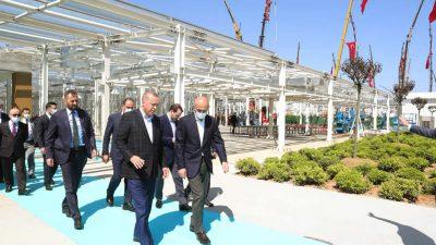 Cumhurbaşkanı Erdoğan, İstanbul'da yapımı devam eden hastaneleri inceledi