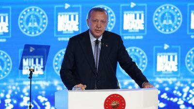 """Cumhurbaşkanı Erdoğan,""""Geleceğe ilişkin tüm planlarımızı, programlarımızı, hesaplarımızı millî iradenin üstünlüğüne olan teslimiyetimizle yapıyoruz"""""""
