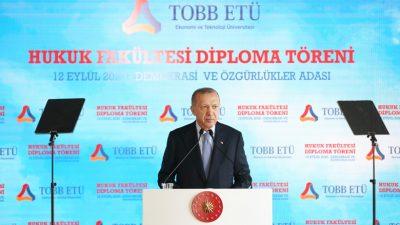 """Cumhurbaşkanı Erdoğan,""""Hayata geçirdiğimiz reformlarla demokrasimizin üzerindeki tüm vesayet izlerini ortadan kaldırdık"""""""